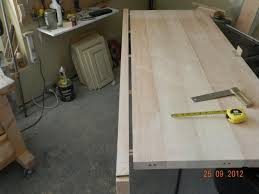 Woodworking Bench Top by How To Build A Diy Workbench Dowelmax