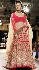 Ways To Drape A Dupatta 12 Styles To Drape Dupatta On Your Wedding Looksgud In