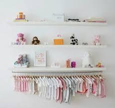 creer deco chambre bebe créer une mini penderie pour bébé deco place et