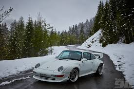 porsche 911 snow seven stunning shots of a porsche 993 gt2 in the alpine snow