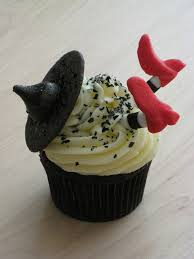 halloween witch cupcakes discovered by lane on we heart it