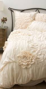 Romantic Comforters Best 25 Ruffle Bedding Ideas On Pinterest Vintage Bedding
