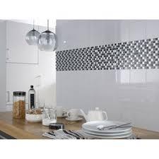 mur cuisine carrelage mural pour cuisine 7 faience mur blanc basic brillant l 20