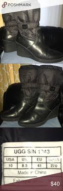 s ugg boots black best 25 black uggs ideas on ugg boots bow boots and