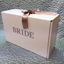 wedding dress boxes for travel show stopper