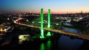 Bay Bridge Light Show Cuomo De Blasio Spar Over Fancy Mta Bridge Lights Ny Daily News