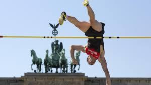 Decathlon Baden Baden Leichtathletik Werbung Um Neue Fans Vor Historischer Kulisse Welt