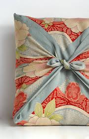 japanese gift wrapping japanese wrapping cloth furoshiki that s probably a gift but
