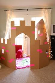 Easy Way To Build A Toy Box by The 25 Best Cardboard Castle Ideas On Pinterest Cardboard Box
