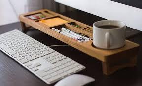 Diy Wooden Computer Desk by Best 25 Work Desk Ideas On Pinterest Work Desk Decor Work Desk