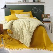 jeté de canapé jaune le jeté de lit en 44 photos pour trouver le meilleur plaid pour lit