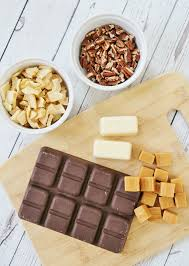 chocolate caramel apple bark candy sand and sisal