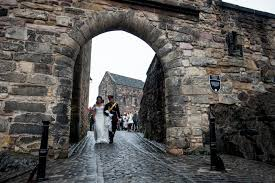 wedding arch edinburgh intimate edinburgh castle wedding elemental