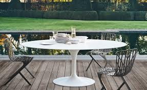 Outdoor Dining Chair by Saarinen Outdoor Oval Dining Table Hivemodern Com