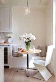 table cuisine design pourquoi choisir une table avec banquette pour la cuisine ou la