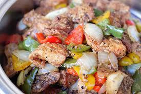 cuisiner sauté de porc recette sauté de porc aux poivrons et aux oignons