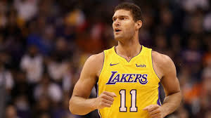 lakers c lopez out at least three weeks kvew
