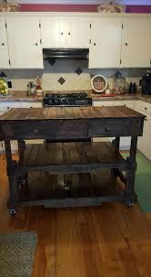 pallets made kitchen island