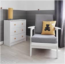 chaise pour chambre bébé chambre bébé gris jaune et blanc nursery chambre
