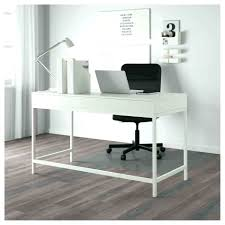 bureau ikea treteaux table langer gain de place gallery of table console extensible avec