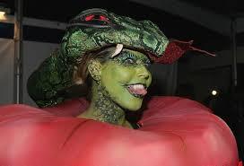 heidi klum halloween costumes heidi klum halloween party with ke ha photo 2491933 brooklyn