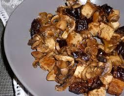 cuisiner tofu poele poêlée de chignons et pruneaux cuisine végé