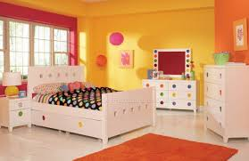 Teenage Bedroom Decorating Ideas by Girls Bedroom Color Ideas