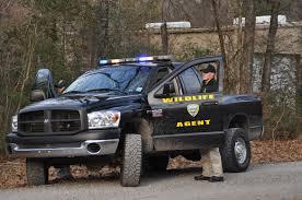 Louisiana wildlife images Enforcement agent behind truck louisiana department of jpg
