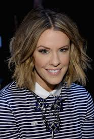 courtney kerr haircut courtney kerr trendy short wavy hair style for fall styles weekly