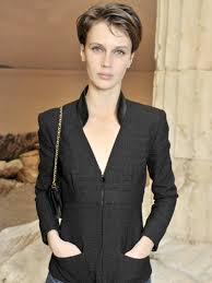 women with boy haircuts in the marines image result for marine vacth short hair layla pinterest