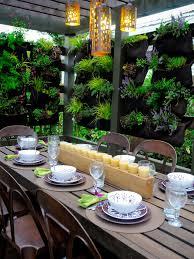 Outdoor Room Divider Ideas 10 Vertical Planter Ideas For Summer Hgtv U0027s Decorating U0026 Design