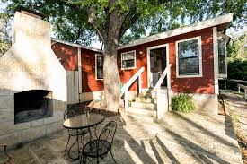 Court Yards by Courtyards On San Antonio Street Lily Suite Fredericksburg Tx Area