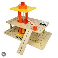 Woodworking Plans Toy Garage by Top 25 Best Wooden Toy Garage Ideas On Pinterest
