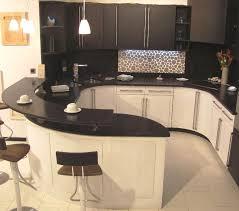 cuisine avec plan de travail en granit plan de travail en granit pour cuisine maison design bahbe com