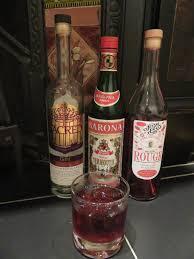 martini rosso vermouth mantova bar caravatti drinking italy