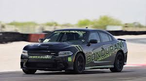 dodge charger hellcat pop quiz 2016 challenger srt hellcat vs 2016 charger srt hellcat