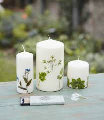 3 diy gifts made with dried flowers and herbs candles paraffin