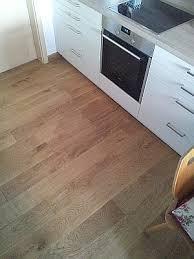 parkett in der küche bodenleger heil parkettverlegung