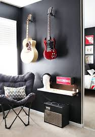 Decorations For Boys Bedrooms by 25 Best Guitar Bedroom Ideas On Pinterest Boho Room Music