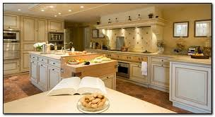country kitchen paint color ideas how to coordinate paint color with kitchen colors with cherry