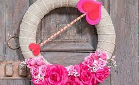 s day wreaths s day wreaths door hangers in celebrate hometalk