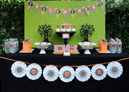 Halloween Party Favor Ideas by Sweet Metel Moments Halloween Party Tablescape