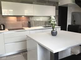 ilot cuisine blanc cuisine blanc laque avec ilot 12 design blanche systembase co