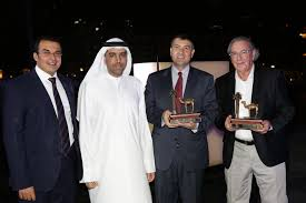 dubai woodshow 2016 organisers present two awards to he consul