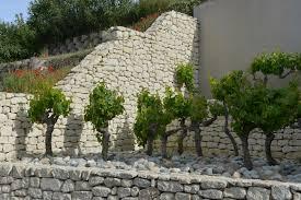 bloc de pierre pour mur exploitation de pierre naturelle de provence montpellier