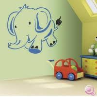 pochoir chambre bébé décorer les murs avec pochoirs géants