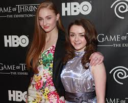 game of thrones couples halloween costumes game of thrones u0027 maisie williams and sophie turner have aced