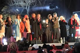 national tree lighting ceremony obama lights national christmas tree in festive musical ceremony
