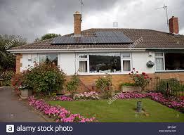 bungalow uk stock photos u0026 bungalow uk stock images alamy