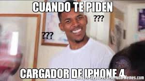 Iphone 4 Meme - cuando te piden cargador de iphone 4 meme de negro confundido